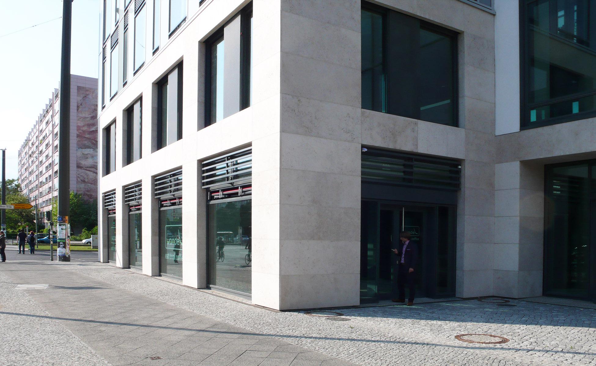 01 einrichtung mercedes-benz bank in der mollstraße berlin by steidten+