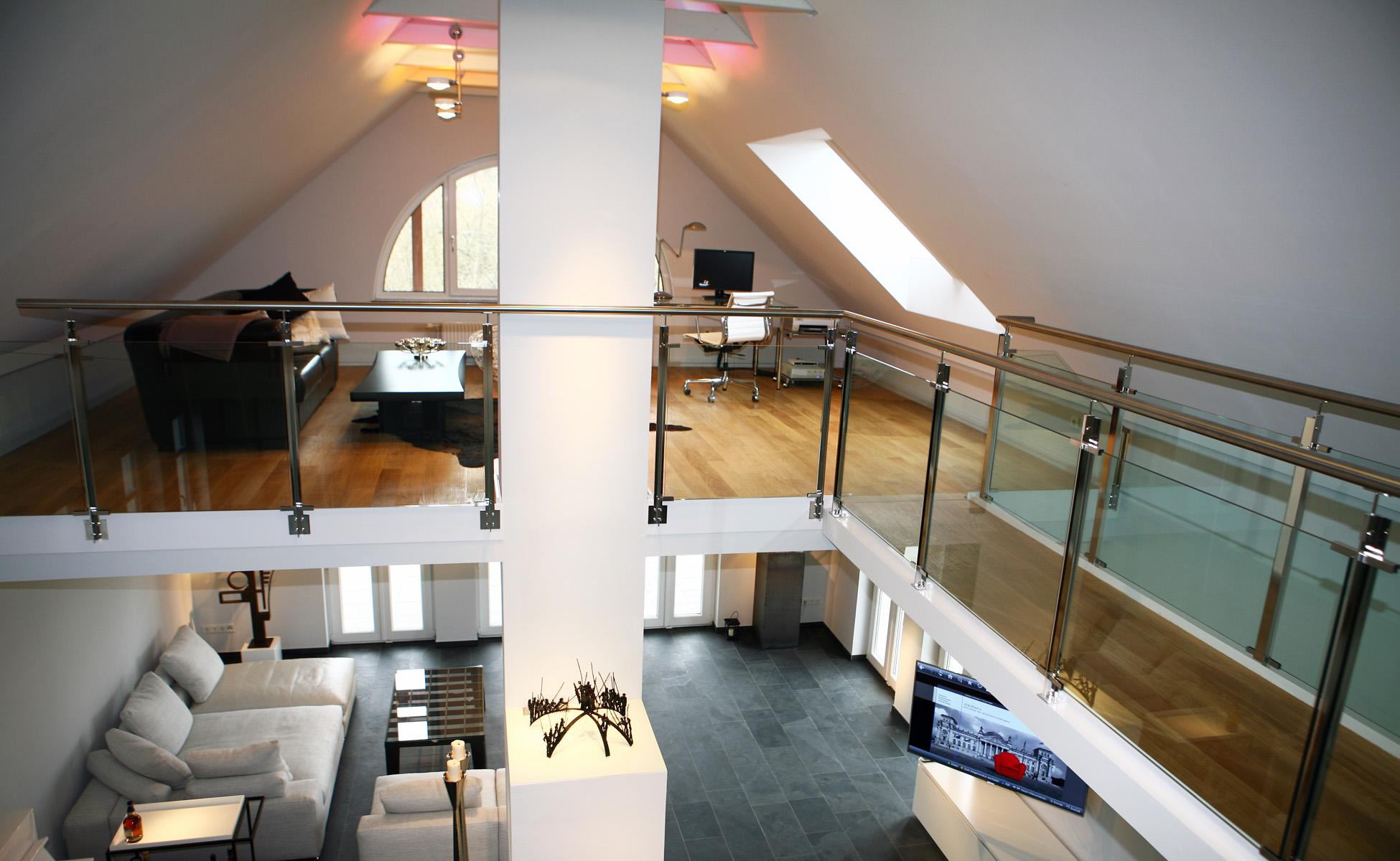 Innenarchitektur + Einrichtung Glasgelaender Pauli und Sohn bei steidten+ Berlin