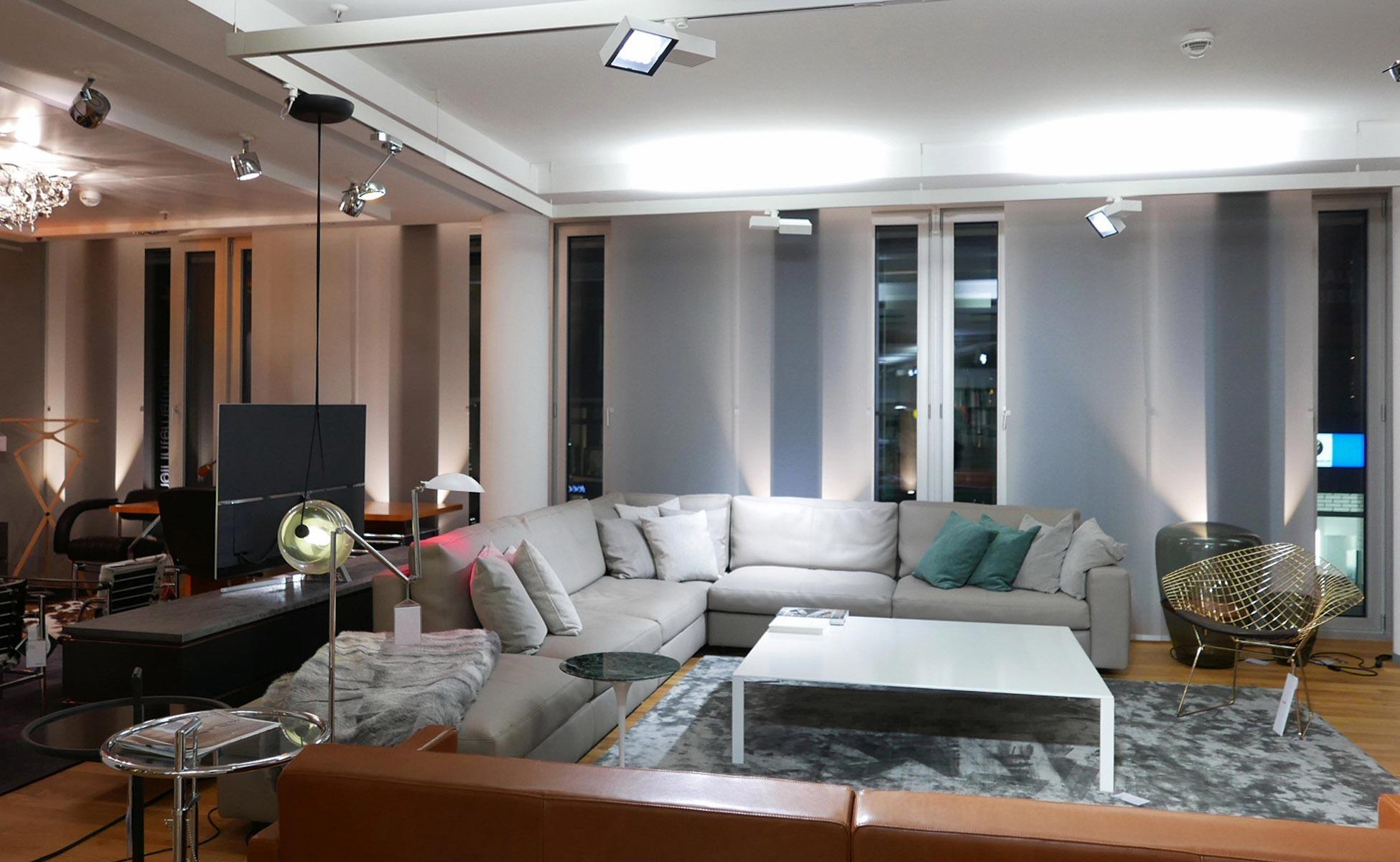 poltrona frau massimo systema sofa im steidten+ showroom in berlin