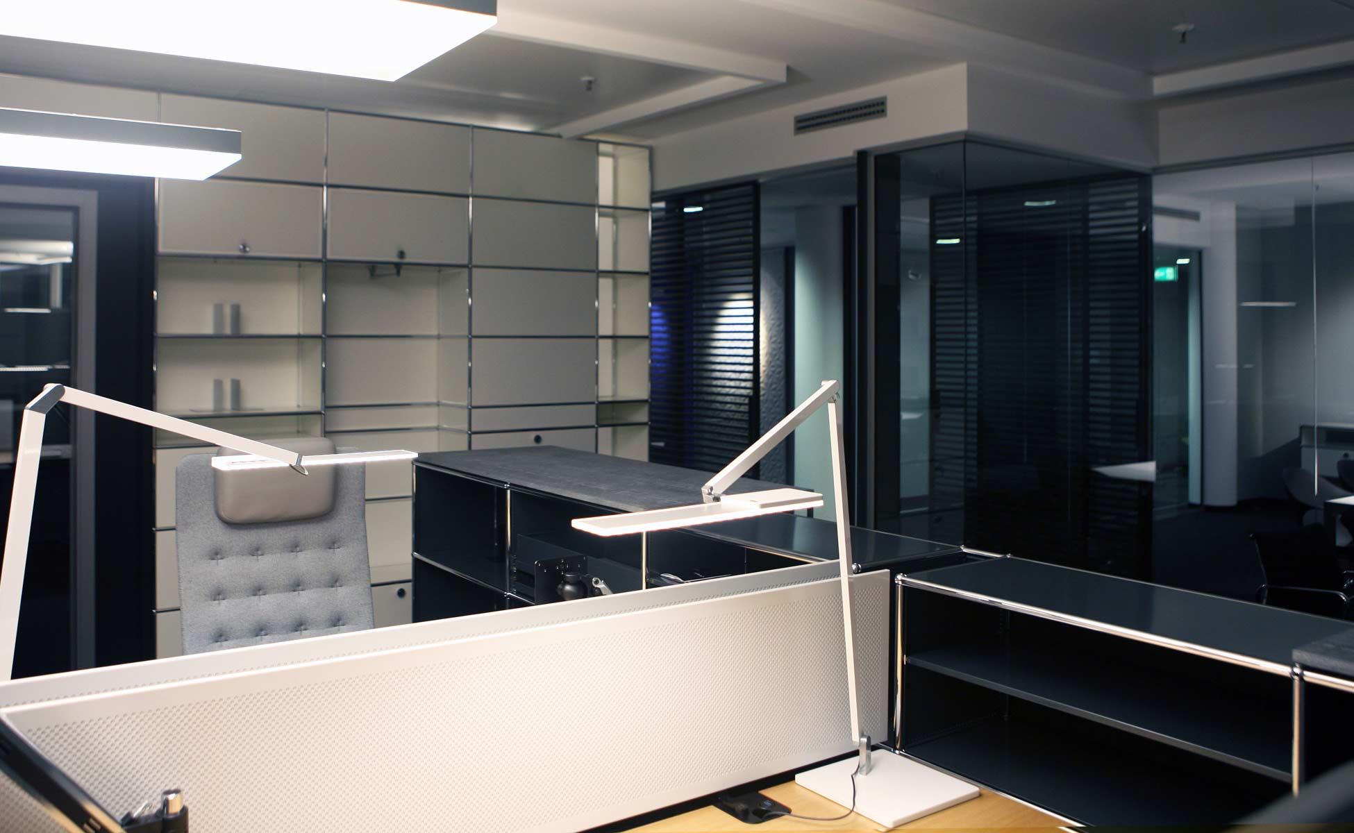 usm möbelbausysteme sekretariat + nimbus leuchten by steidten+ in berlin
