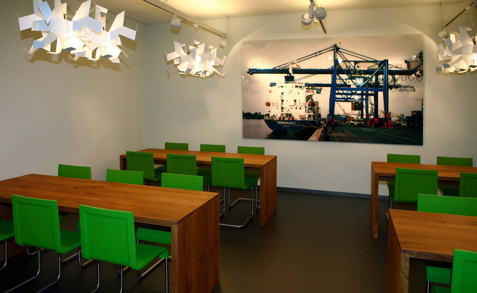 e15 tische vitra .04 cafeteria bei steidten+ berlin