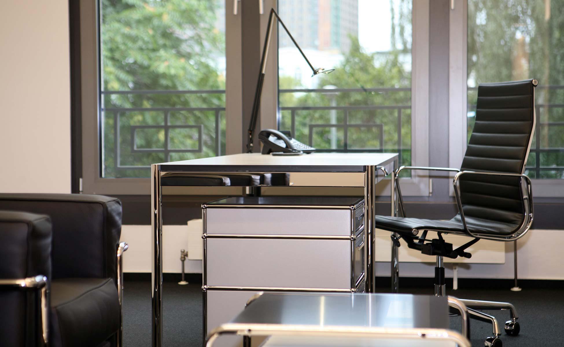 Büroeinrichtung - Vitra EA 119 Bürostuhl von steidten+ Berlin