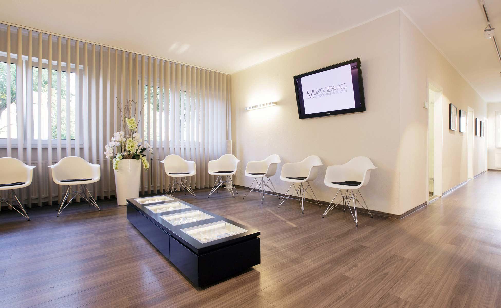 vitra + interlübke wartezimmer einrichtung zahnarztpraxis mundgesund bei steidten+ berlin