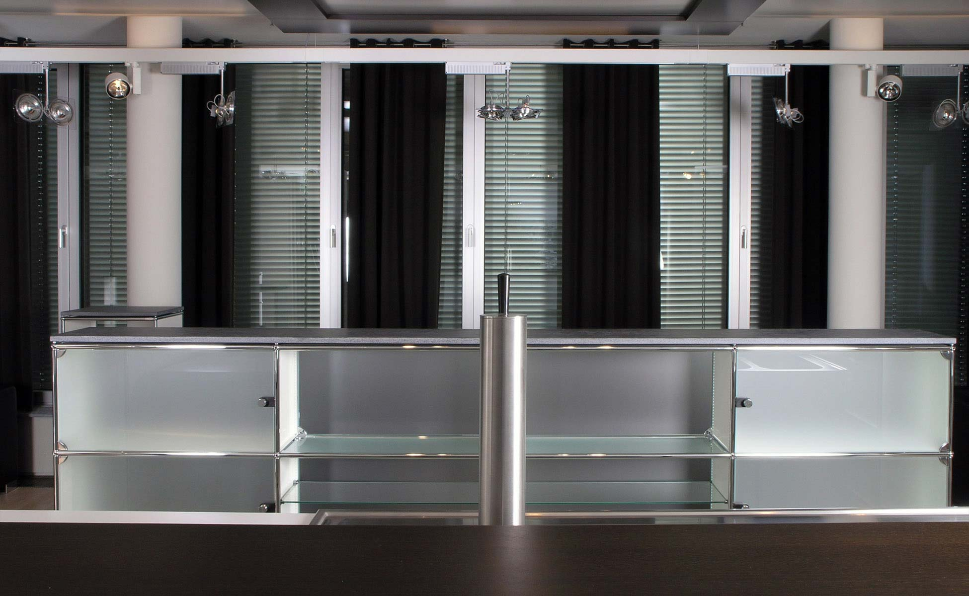 Lounge + Lobby Einrichtung Clubbar USM Haller von steidten+ Berlin