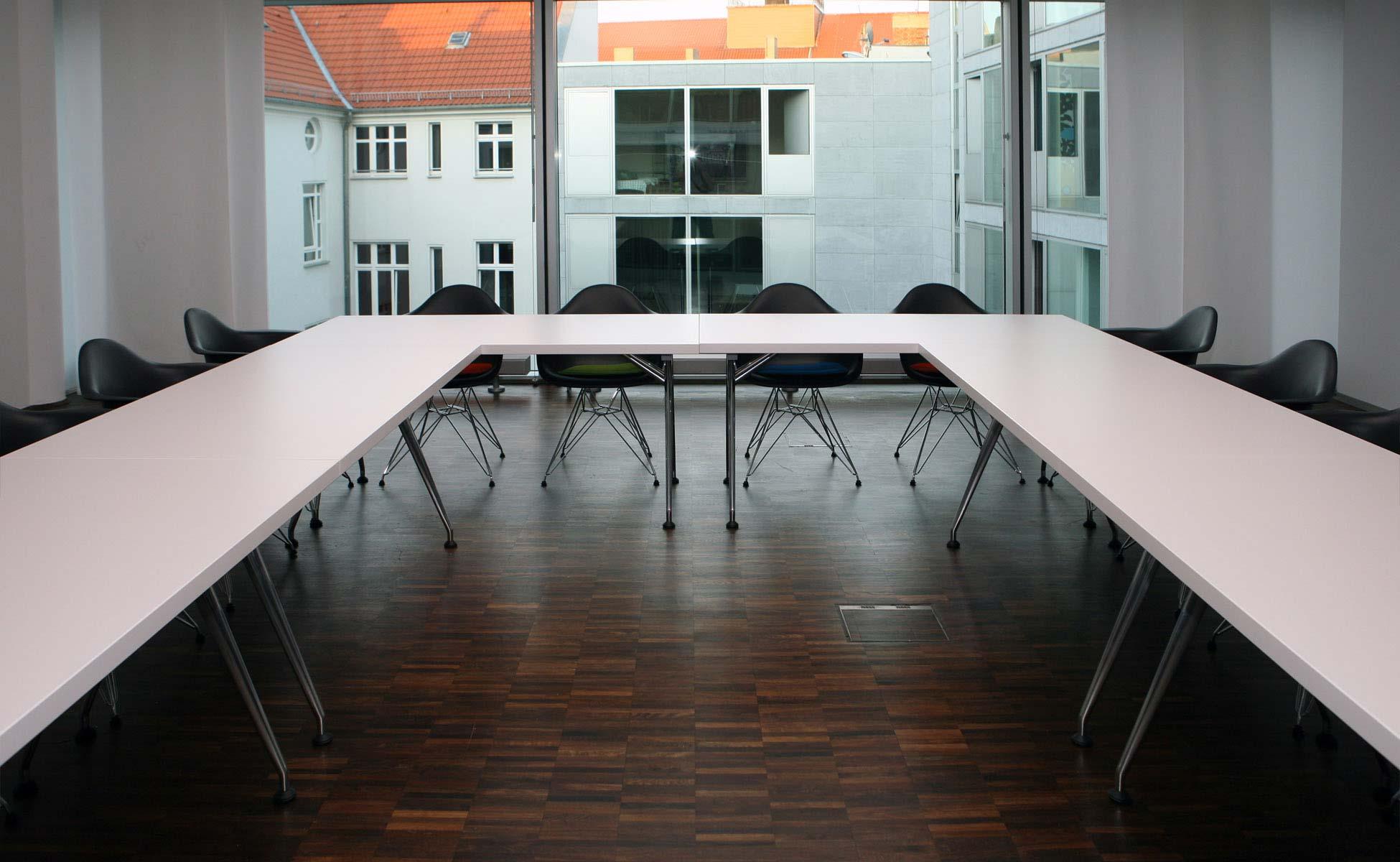 Office Interior Vitra Click + Samsung Konferenz bei steidten+ Berlin