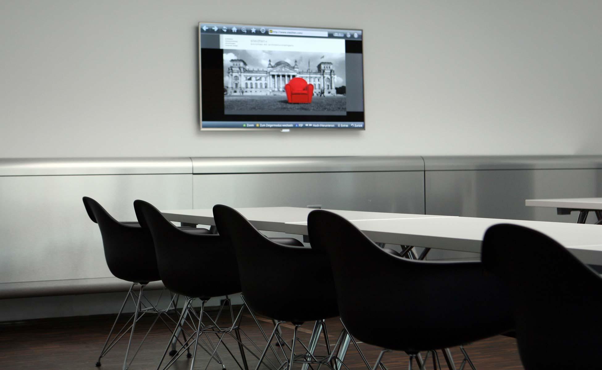 Office Interior Vitra Konferrenz Tische + Stühle bei steidten+ Berlin