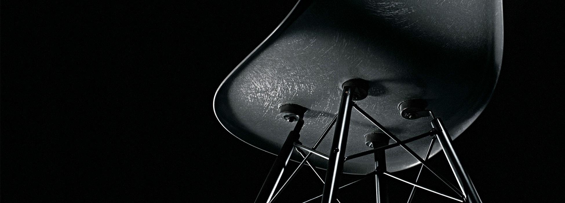vitra-eames-fiberglass-chair-berlin-steidten+