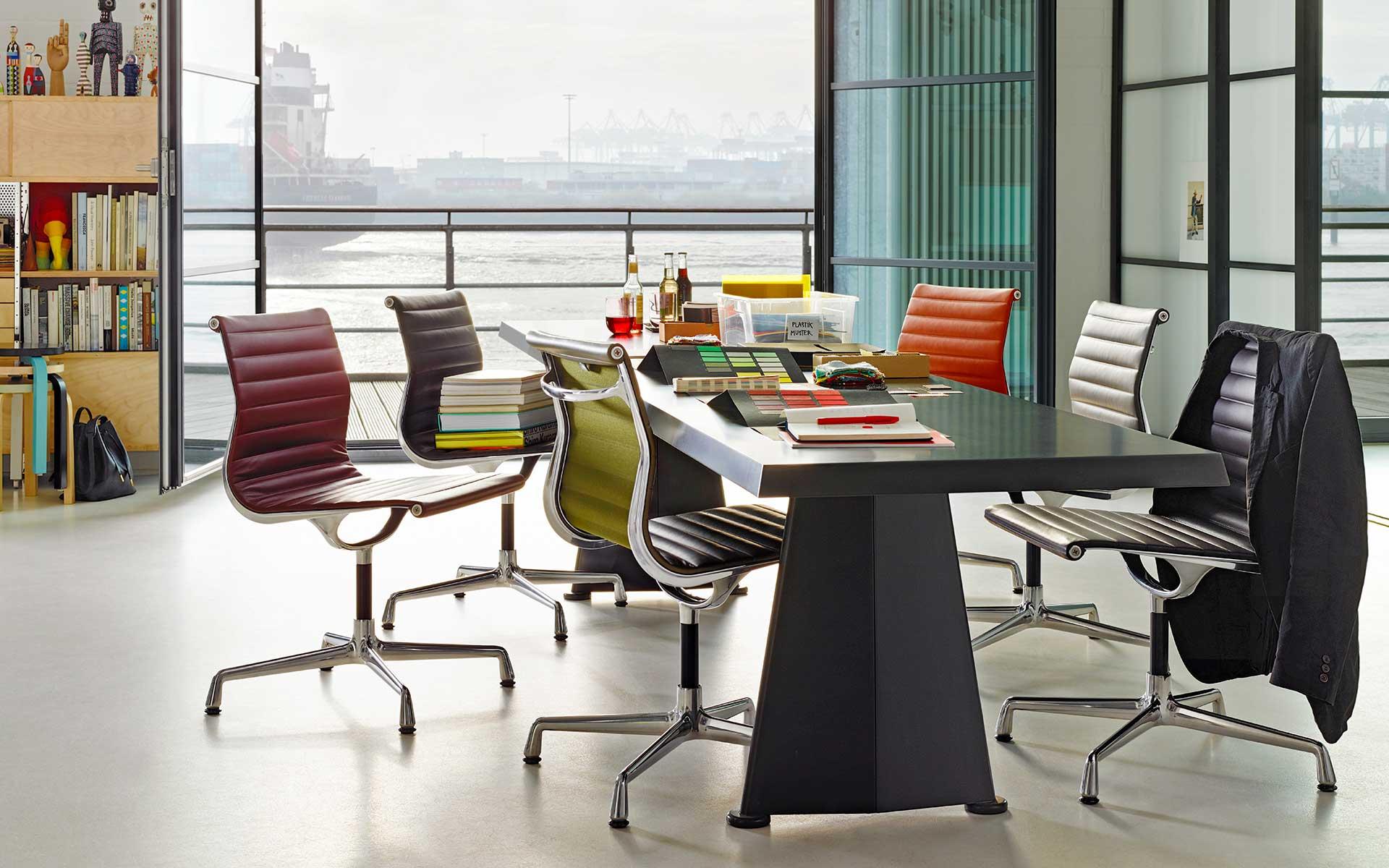 Aluminium-Chair-EA-101-Trapèze_AD_816876_master