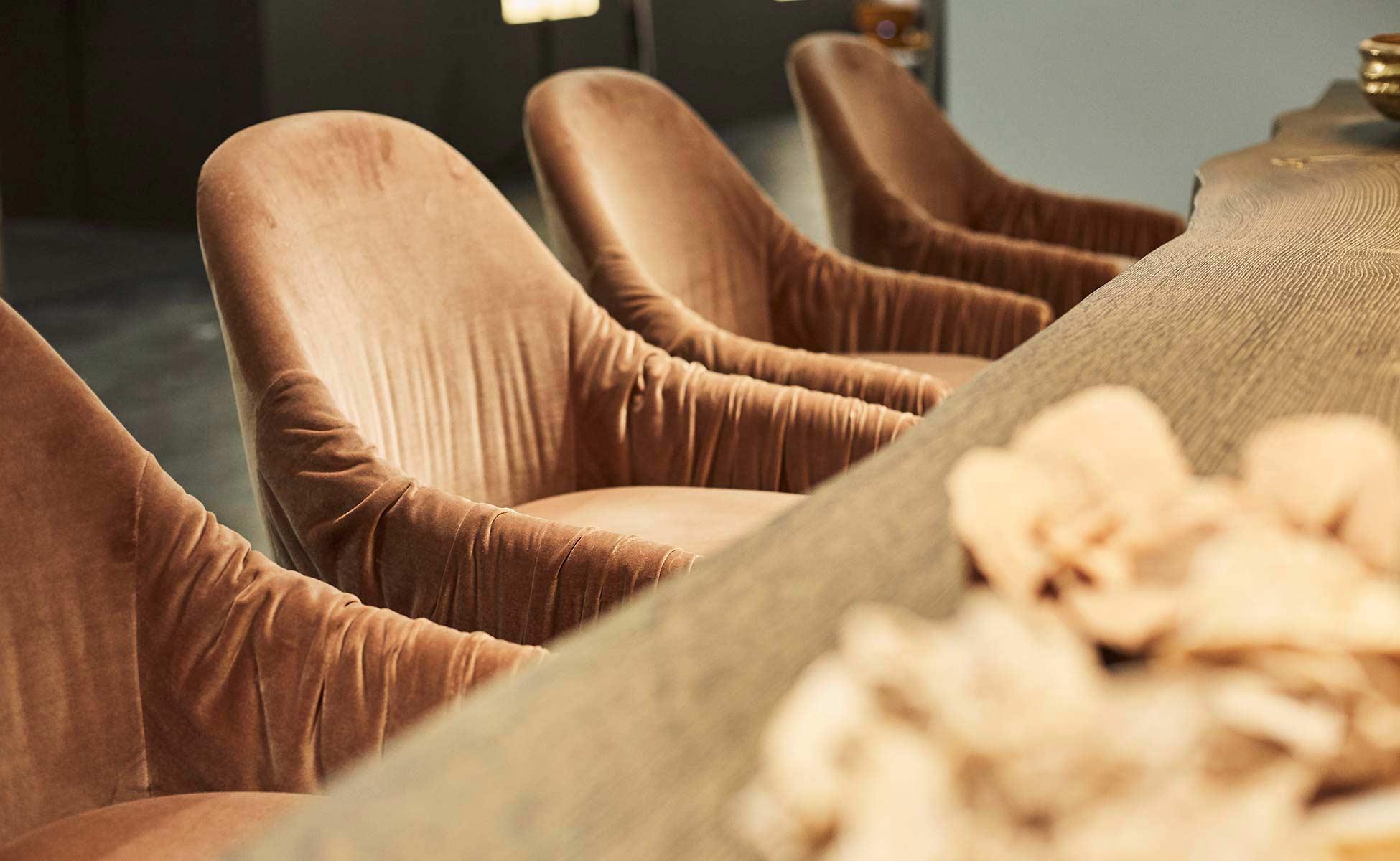 FreiFrau-Leya,-Ona,-Celine-Chair-in-Berlin-bei-steidten+
