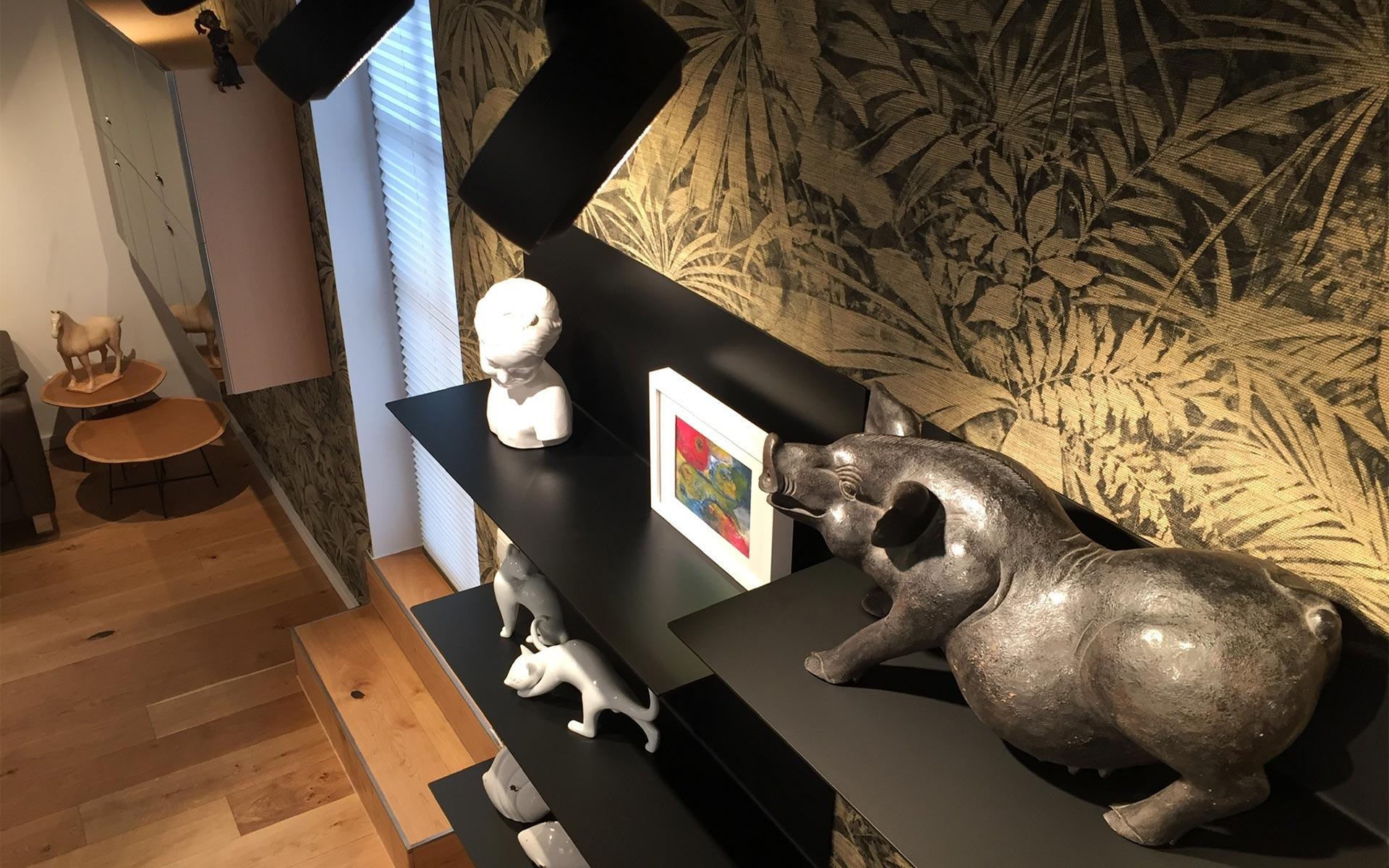 Arte Wandbekleidung + Frost Denmark Regale - Interiordesign steidten+ Berlin