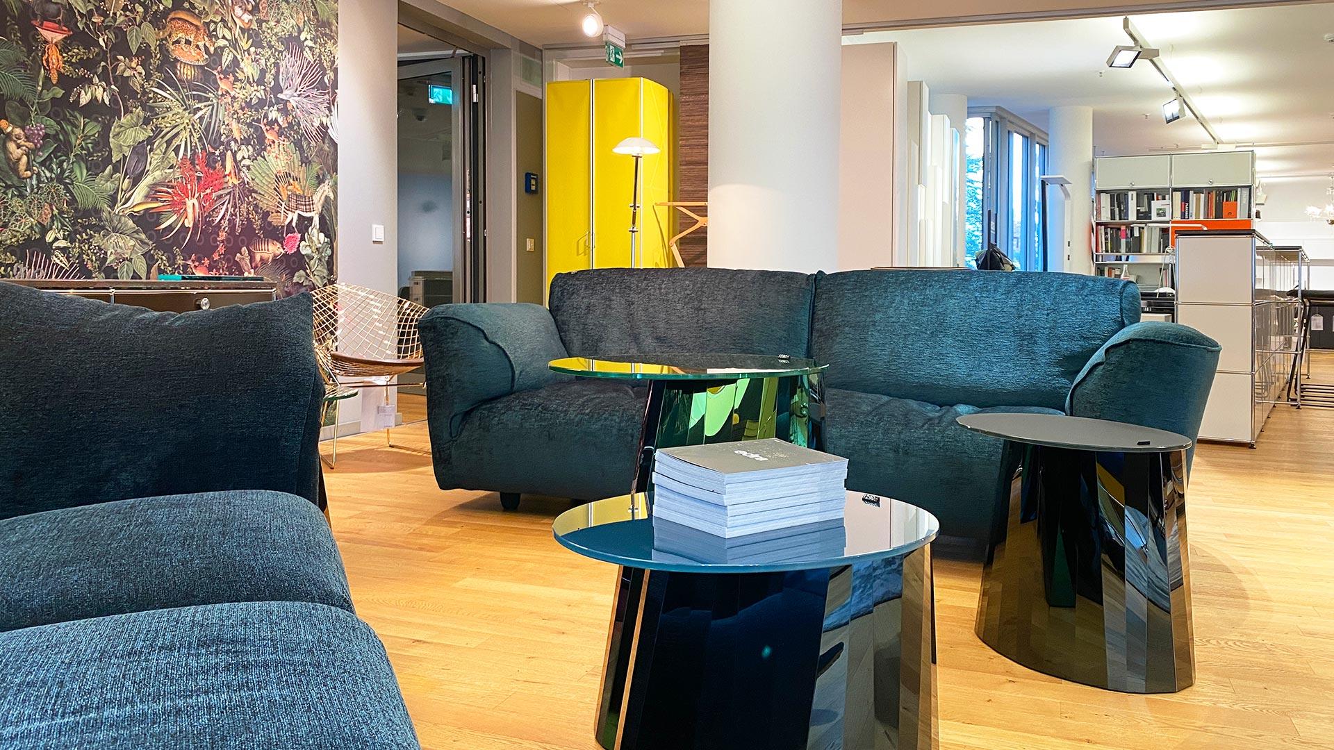 Edra Sofa + Classicon Tische in Berlin bei steidten+