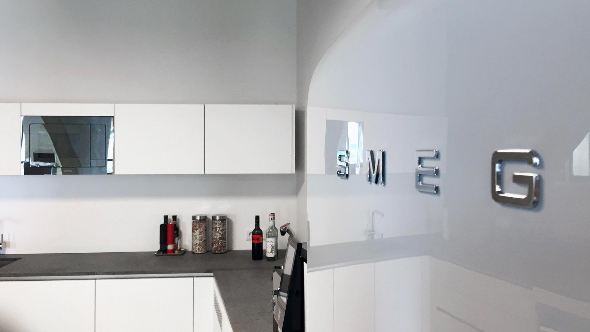SMEG Kühlschrank im Workspace bei steidten+ Berlin