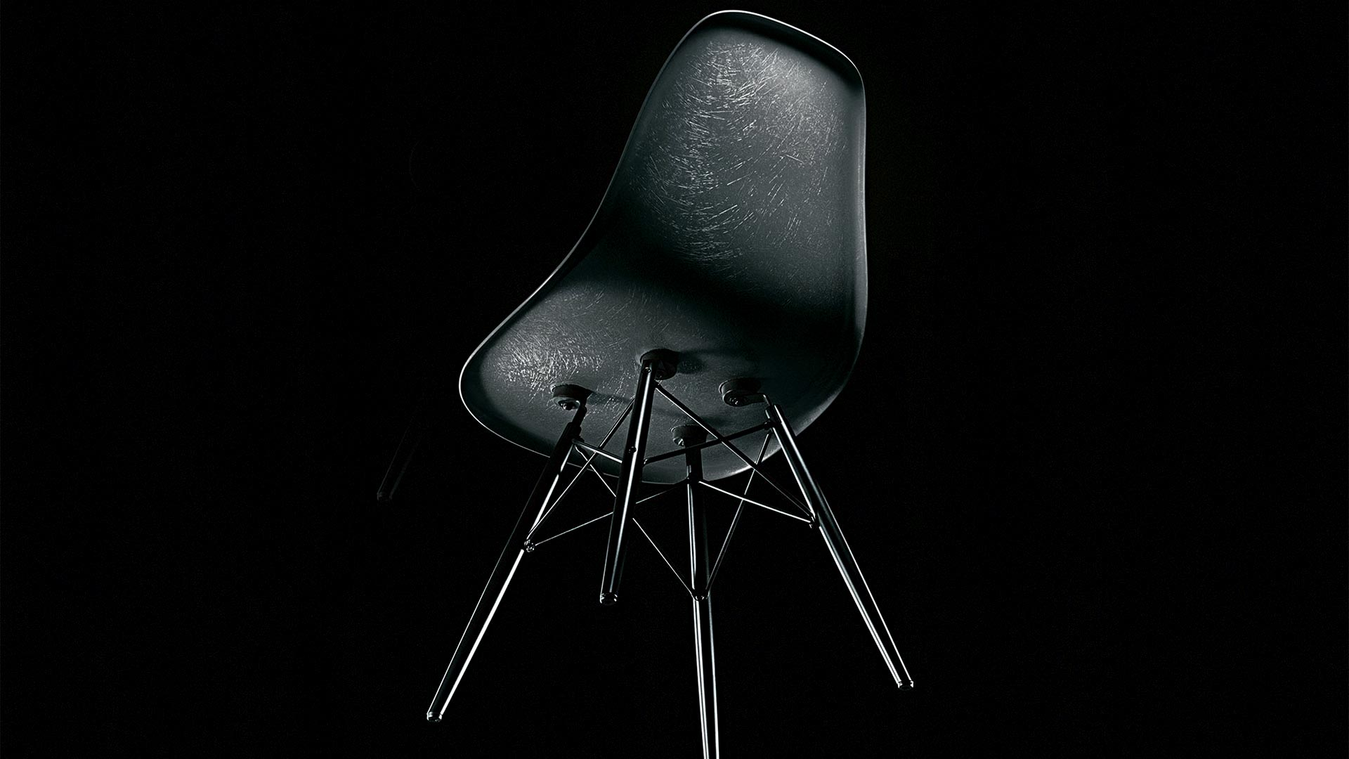 Vitra Eames Fiberglass Chair in Berlin bei steidten+ 12