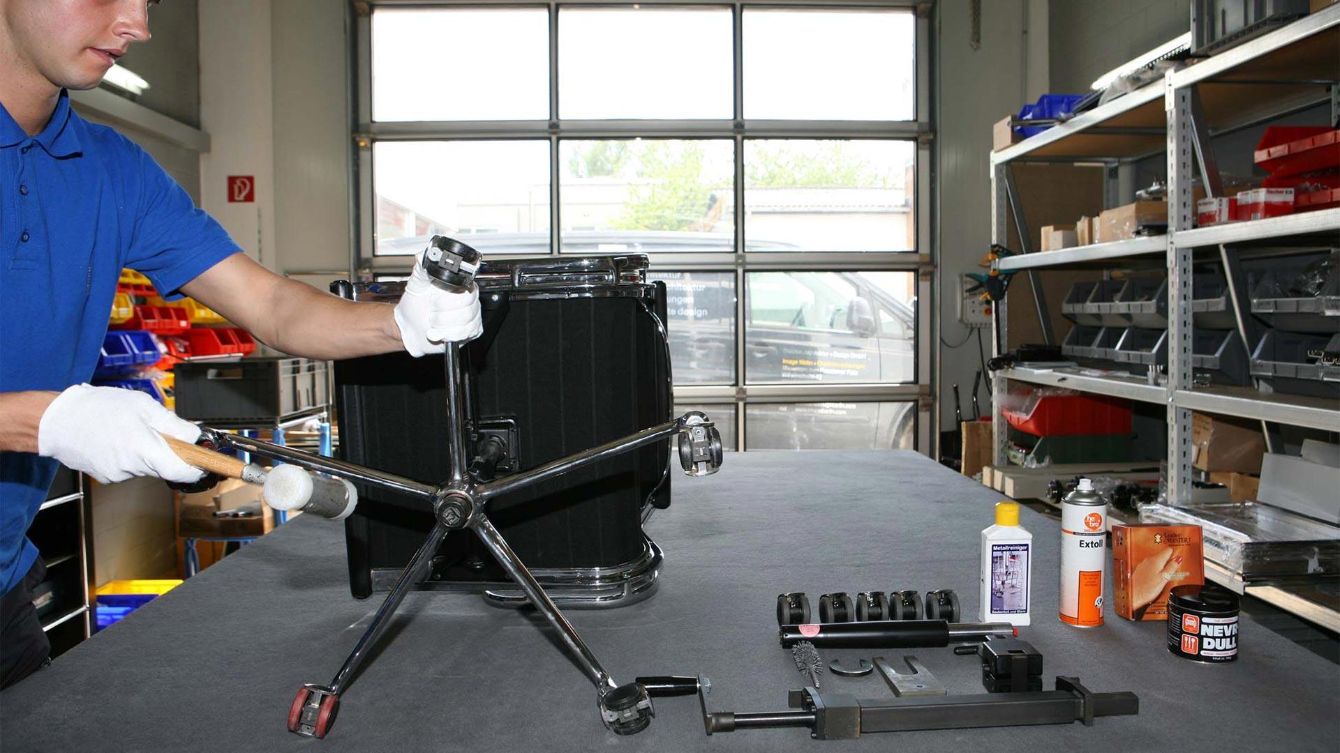 Vitra Ersatzteilservice + Reparatur Eames alu Chair in Berlin bei steidten+02