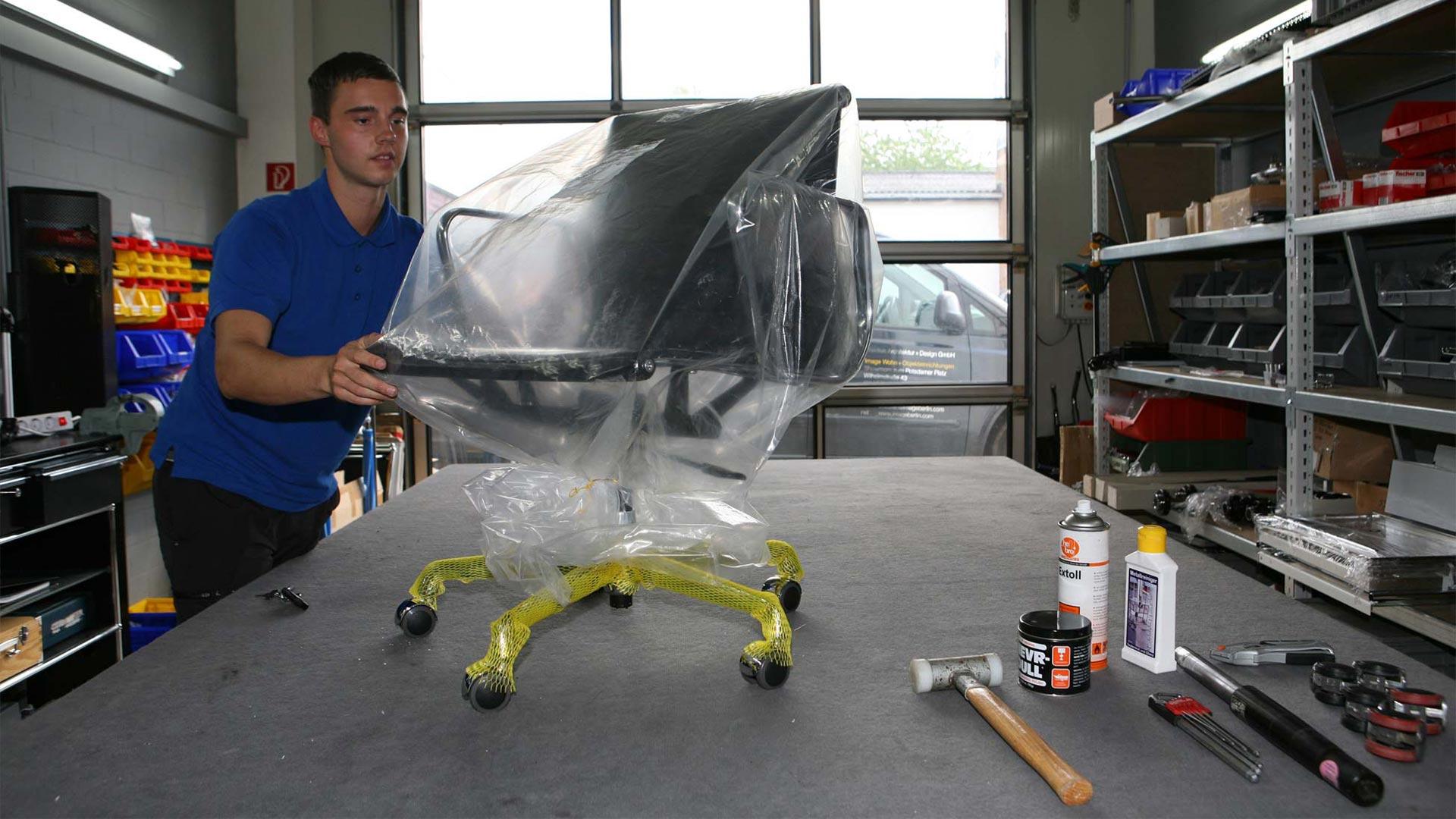 Vitra Ersatzteilservice + Reparatur Eames alu Chair in Berlin bei steidten+10